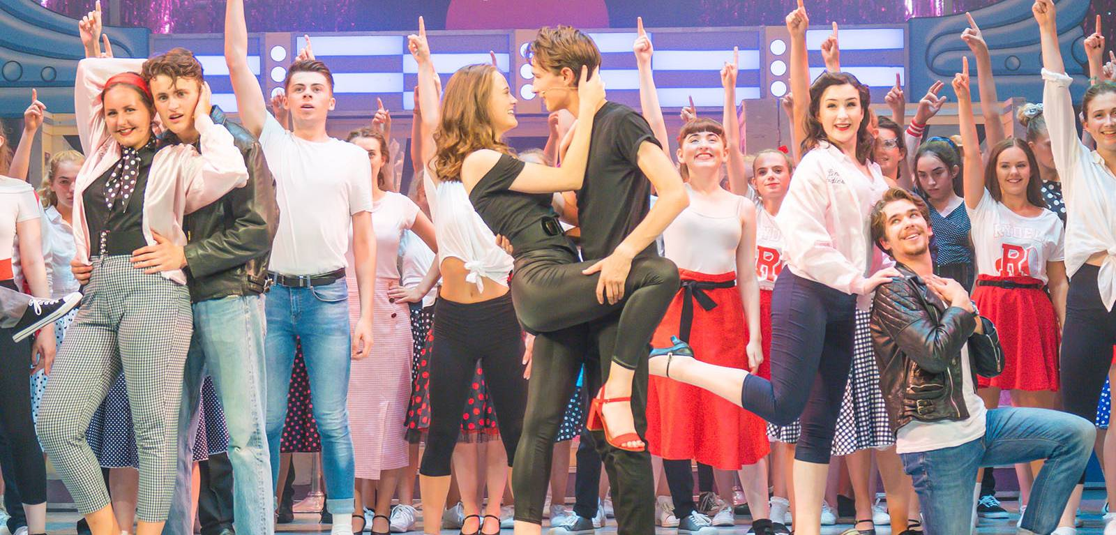 The cast of Grease in the finale.
