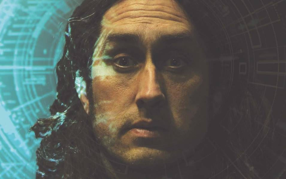 Ross Noble face up close
